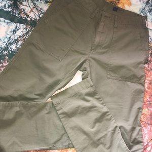 Gap army green slim 28 x 30 pants NWT